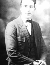 photo-henry lewis jones sr.jpg