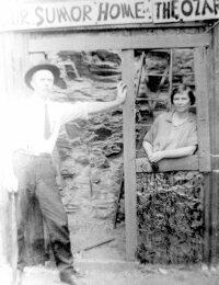 photo-Henry Bunyon Broom and Jessie (Fee) Broom.jpg